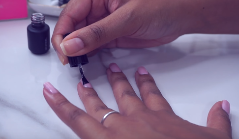 Painting Nails Before Using LED