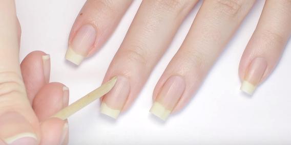 Push cuticles back gel nails